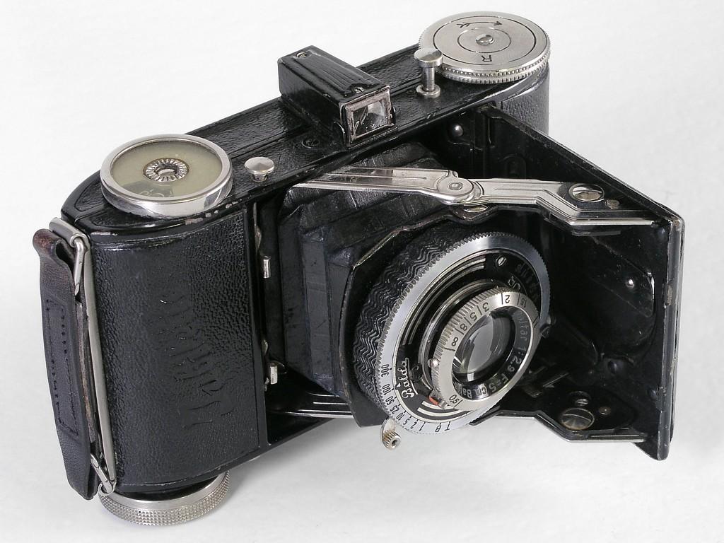каталоги старинный немецкий фотоаппарат оценить игры футбол байкеры